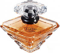 Парфюмерная вода с ароматом фруктов, цветов и пряностей Lancome Tresor L`Eau de Parfum 30ml