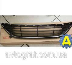 Решетка с хромом в бампер передний на Хьюндай Элантра (Hyundai Elantra) 2011-2016