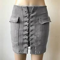 Женская замшевая юбка с карманами на шнуровке серая, фото 1