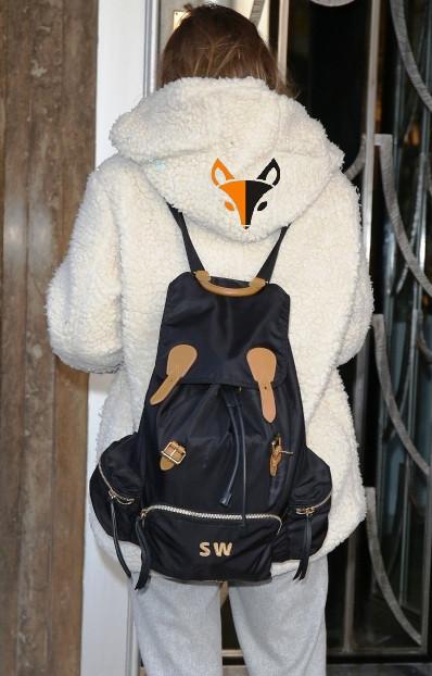 Как носить рюкзак с шубой ФОТО