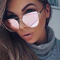 Трендовые розовые очки...