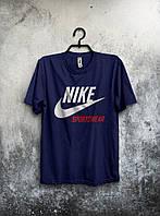 Темно-синяя мужская футболка Nike с оригинальным принтом