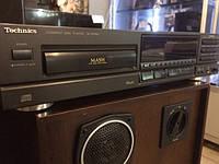 CD-проигрыватель Technics SL-PG300