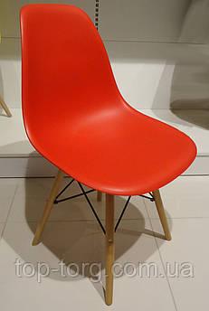 Стул DS-913 ENZO красный, деревянные ножки