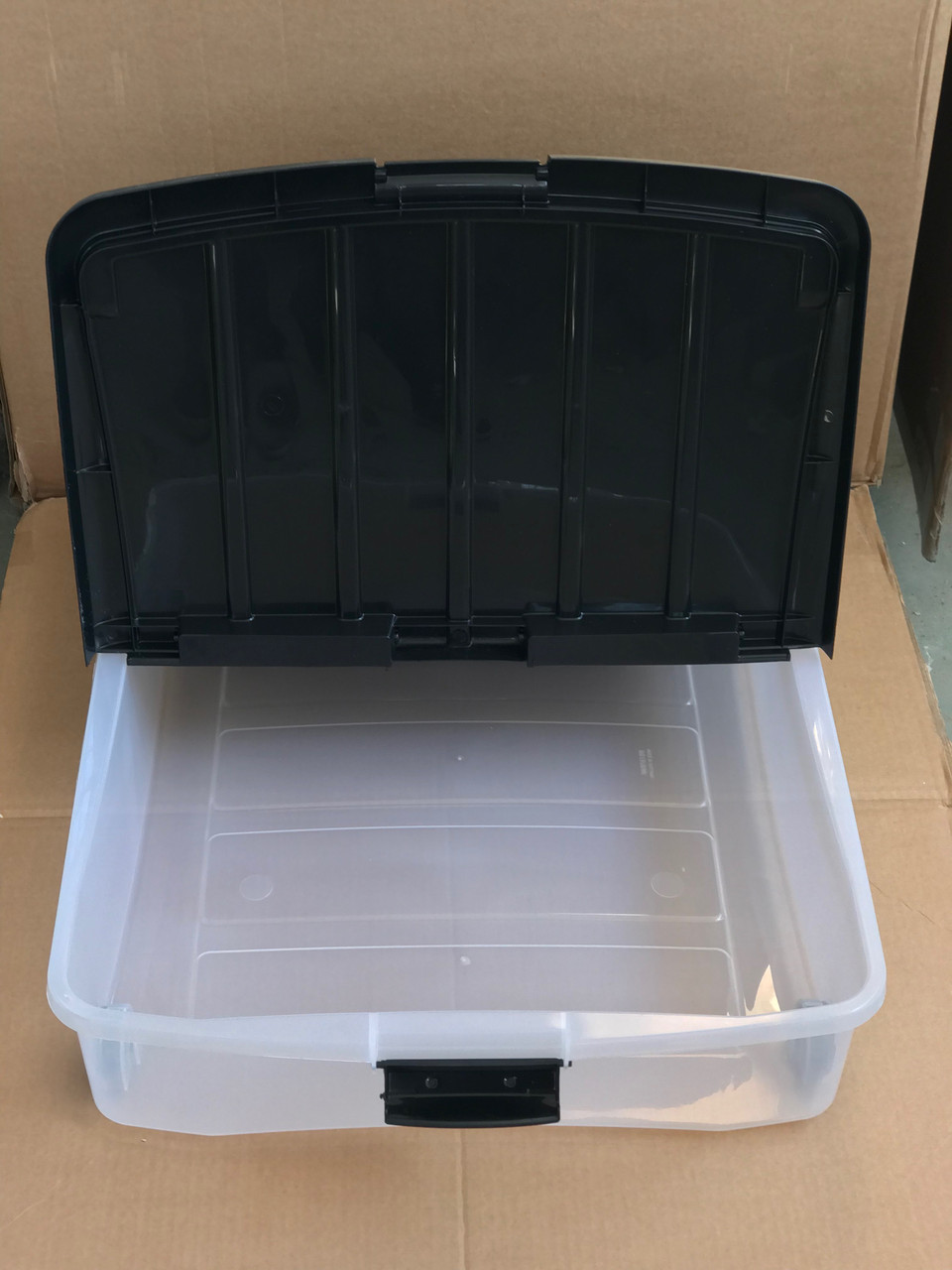Пластиковый контейнер 16х55х74