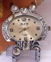 Часы женские кварцевые со стразами без ремешка