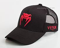 Спортивная бейсболка с красной вышивкой Venum