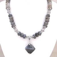 Колье с кулоном Туманный альбион ( ожерелье )