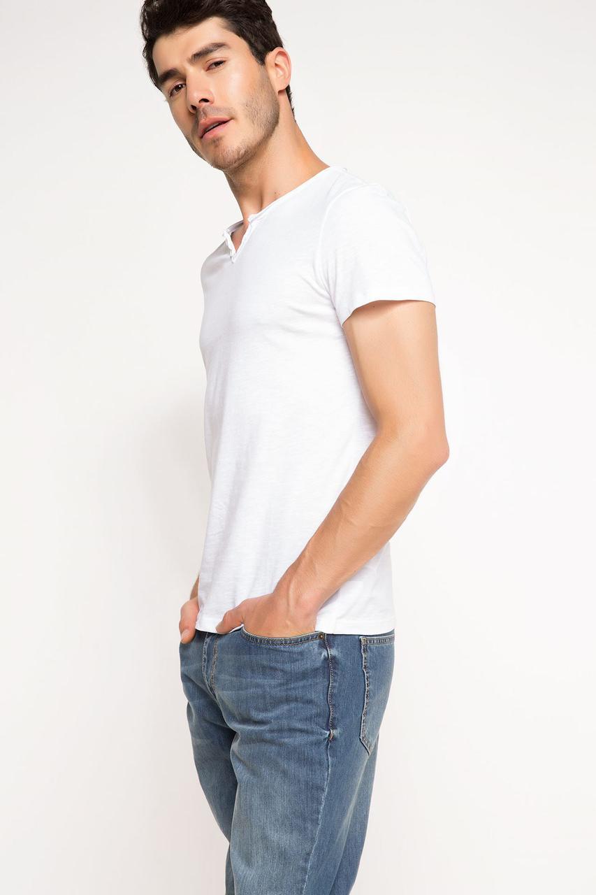 Белая мужская футболка De Facto / Де Факто