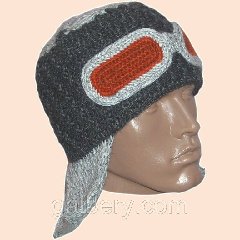 Мужская вязаная шапка-ушанка на подкладке цвета маренго