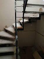 Металлический каркас лестницы с забежными ступенями, фото 1