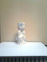 Экочеловечек Мыслитель, декорирован символами, сувенир