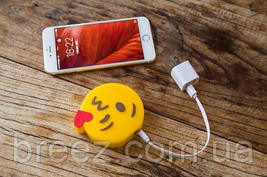 Универсальная портативная батарея Power Bank emoji Kiss