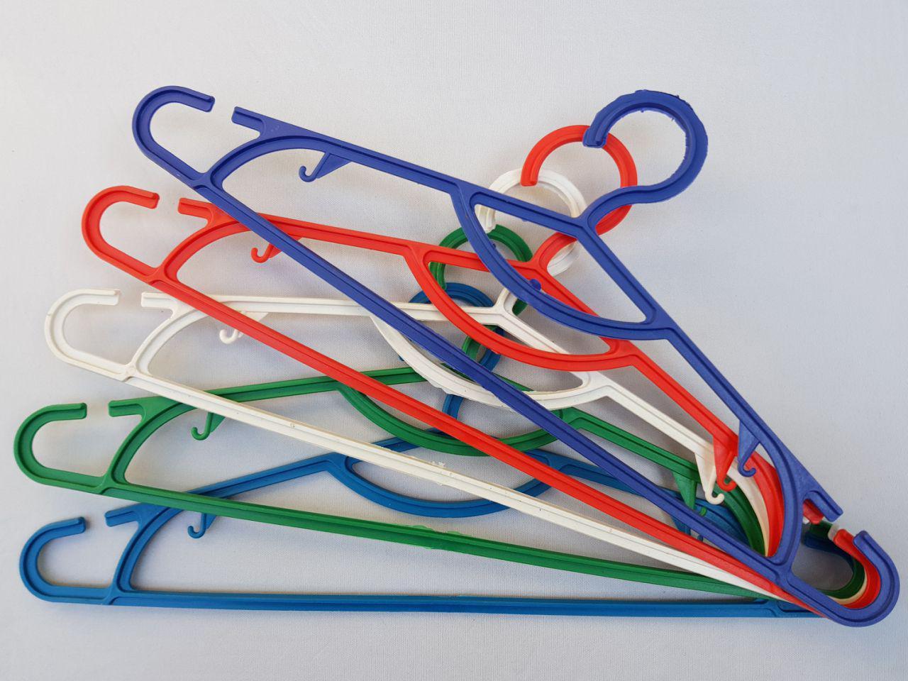 Плечики вешалки пластмассовые ПЭТ разные цвета, 41,5 см,10 штук в упаковке одного цвета
