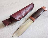 Нож для охоты с кожаным чехлом