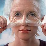 Секреты применения масок с желатином для лица от морщин