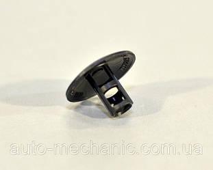 Клипса крепления обшивки/крепления подкрылков на Renault Dokker 2012->- Renault (Оригинал) - 7703081127