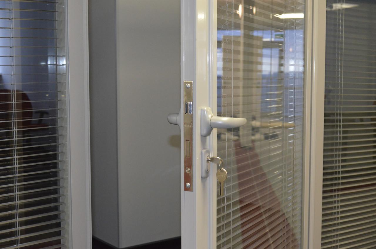 Изготовление и установка офисных перегородок под ключ