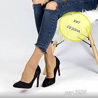 Черные туфли из эко-замши на среднем каблуке с красной подошвой 37, 38 размер