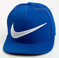 Реперка цвета электрик с белой вышивкой Nike