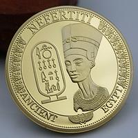 Позолоченная сувенирная монета Нефертити