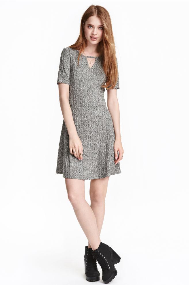 Новое серое платье в рубчик H&M
