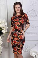 Приталенное повседневное платье на короткий рукав с красивым принтом норма и полубатал