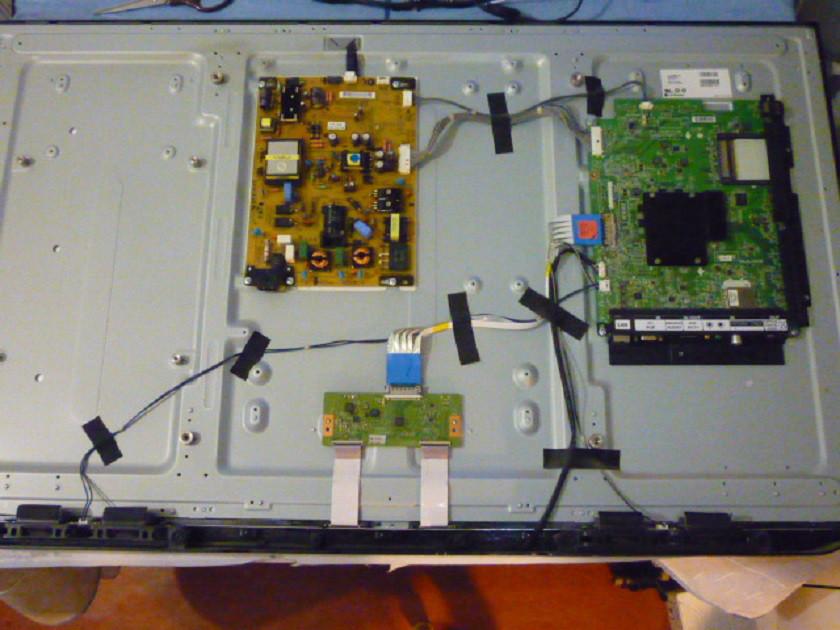 Платы от LED TV LG 42LM620T-ZE.BDRWLJU поблочно, в комплекте (разбита матрица).