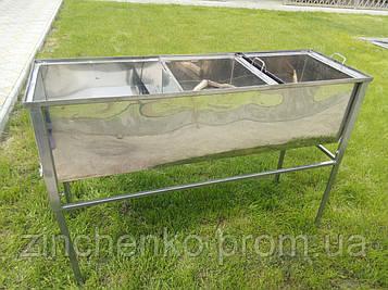 Стол для распечатки сотовых рамок 1,5 м с двумя корзинами