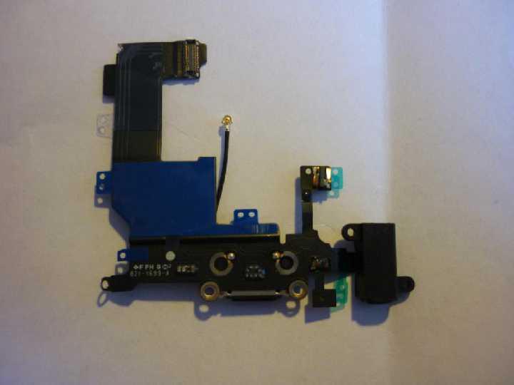 Шлейф Apple IPhone 5 black с коннектором зарядки и наушников, микрофон