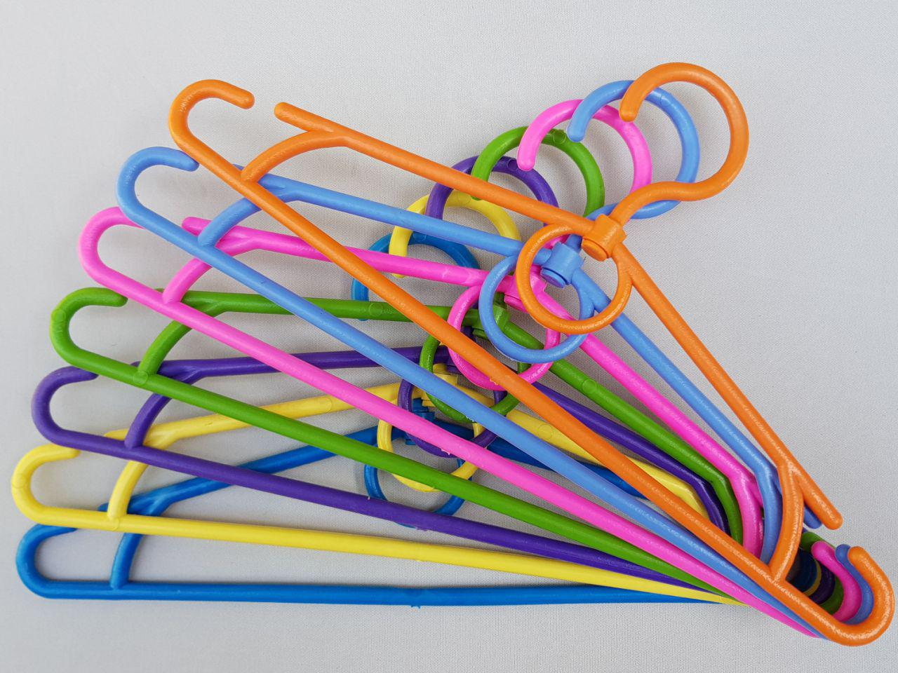 Длина 32 см. Плечики детские пластмассовые  разные цвета, 10 штук в упаковке одного цвета
