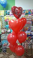 Фонтан из сердец и круглых шаров 30 см с гелием.