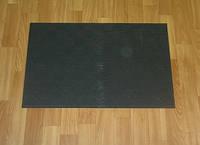 Резиновый придверный коврик Листок на шахматной доске