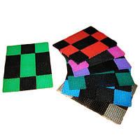 Разноцветный входной пластиковый коврик Травка придверный в клетку