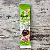Черный (красный) китайский чай с добавлением натуральных лепестков розы 50 грамм
