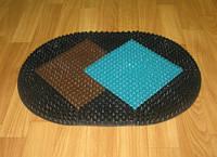 Придверный овальный щетинистый коврик Ромбы из пластика