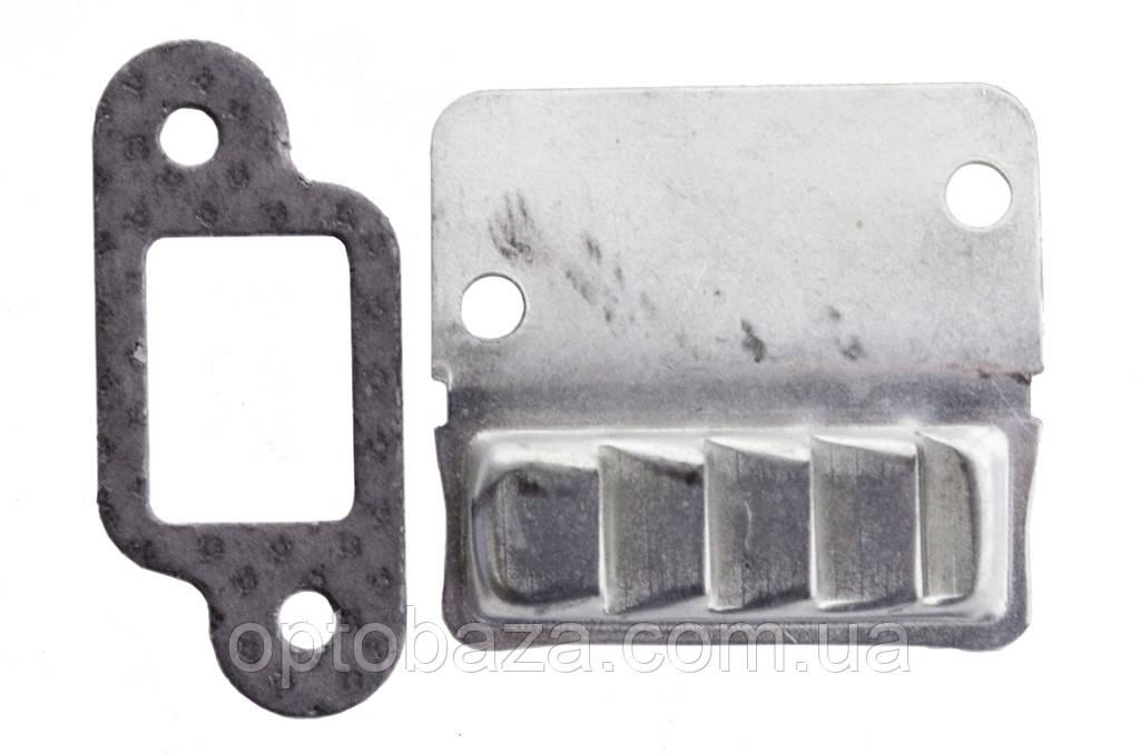 Прокладка с пластиной (2) для бензопил MS 180