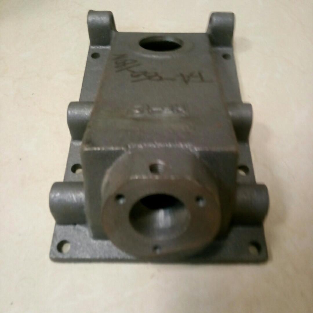 Крышка верхняя корпуса КПП (1 отверстие) КПП/6 180N/190N/195N