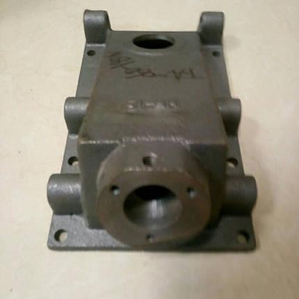 Крышка верхняя корпуса КПП (1 отверстие) КПП/6 180N/190N/195N, фото 2