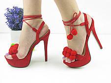 Женские стильные красные босоножки на шпильке