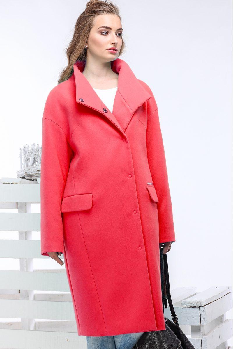 Лаконичное  демисезонное женское пальто