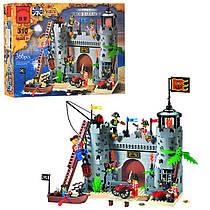 Конструктор Пираты на 366 деталей - замок (крепость) пиратов, фигурки, лодка,  Brick 310 / 705563