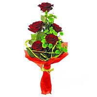 Роза красная в букете 5шт +хризантема 4шт