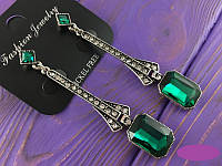 Серьги подвески с зеленым кристаллом