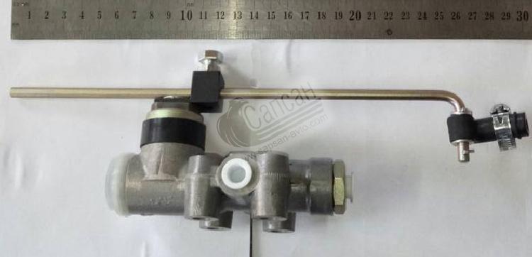 Клапан уровня пола МАЗ,MAN,ЛАЗ (Волчанск). 11.2935010-30