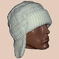 Мужская вязаная зимняя шапка-ушанка на подкладке бело-молочного цвета
