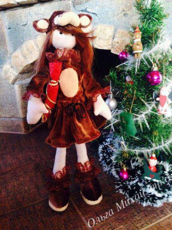 Інтер'єрна лялька Дівчинка в костюмі мавпочки