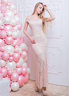 Кружевное платье макси с вырезом сердечком