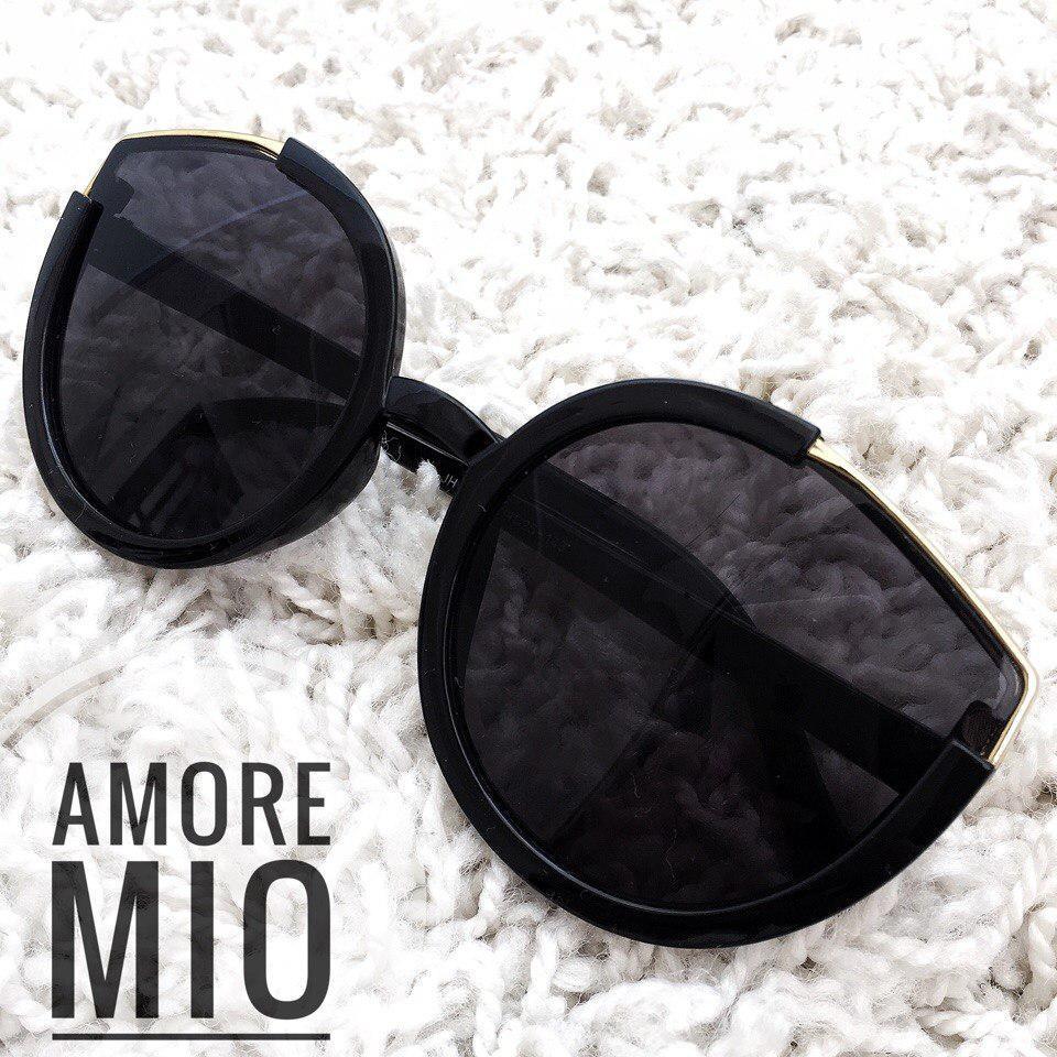 Женские стильные солнцезащитные очки в оправе tez36167