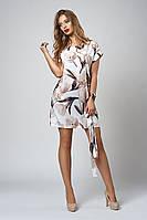 Свободное летнее платье до колена с нежными цветами